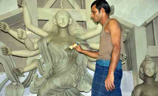 Preparations for Durga Puja celebrations are going on in full swing in the Barisal city