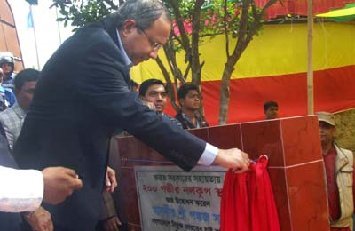 Indian HC inaugurated sinking deep-tube-well in Barguna