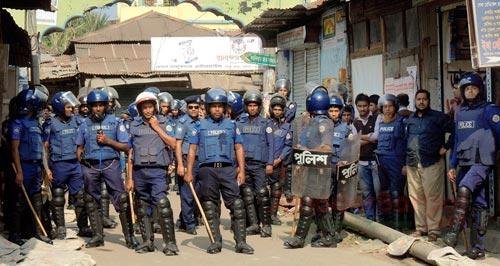 ভোলায় বিএনপি নেতাকর্মীরা ঘরছাড়া