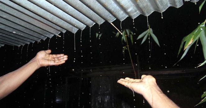 rain-in-night-barisal মধ্যরাতে বরিশালে হটাৎ বৃষ্টি