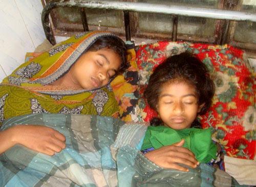 Lalmohan-pic--3--27-3-15 লালমোহনে পুলিশের সহায়তায় হামলা ভাংচুর:  নারী ও শিশু সহ আহত-৬