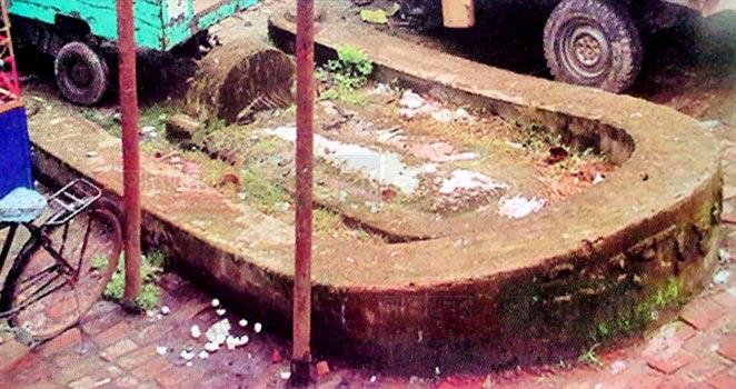 নলছিটির ঐতিহাসিক 'চায়না কবর'
