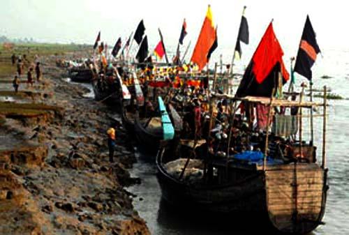কলাপাড়ার নিন্মাঞ্চল প্লাবিত: জেলেরা নিরাপদে