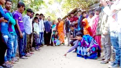 আগৈলঝাড়ায় আড়াই'শ বছরের ঐতিহ্যবাহী মারবেল মেলা