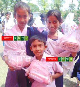 দশমিনার ৩৩ হাজার শিক্ষার্থী পেল শিক্ষা সহায়ক উপকরণ