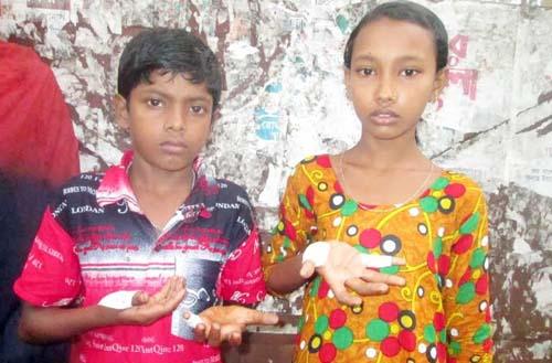ঝালকাঠিতে শিক্ষকের পিটুনীতে দুই শিশু শিক্ষার্থী হাসপাতালে
