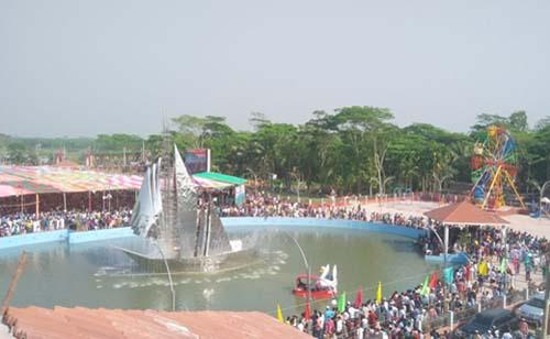 ভোলার 'সজিব ওয়াজেদ জয়' পার্কে দর্শনার্থীদের ঢল