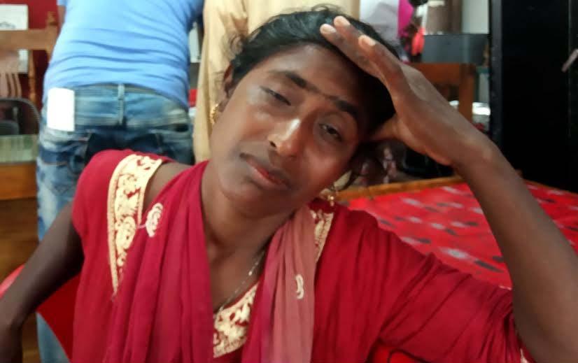 কলাপাড়ায় ছেলে ধরা সন্দেহে নারী আটক