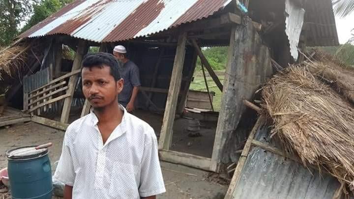 আম্পান কেড়েছে মাছের ঘের, ভেঙেছে ঘর, করেছে সর্বশান্ত
