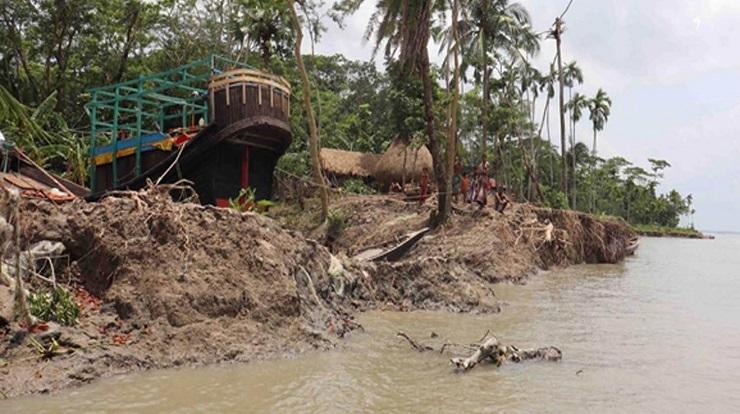ভাণ্ডারিয়ার মানচিত্র থেকে হারাতে বসেছে নদী তীরবর্তী গ্রামগুলো