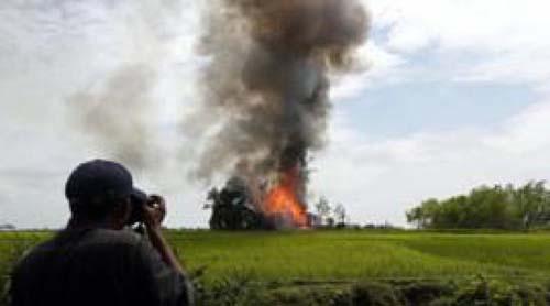 বিশ্ব আদালতে মিয়ানমারের গণহত্যার বিচার শুরু